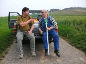 Egon Beuschlein und Hermann Pabst auf dem Werstatt - Pickup
