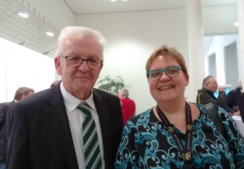 Nadine Strauß mit Ministerpräsident Winfried Kretschmann