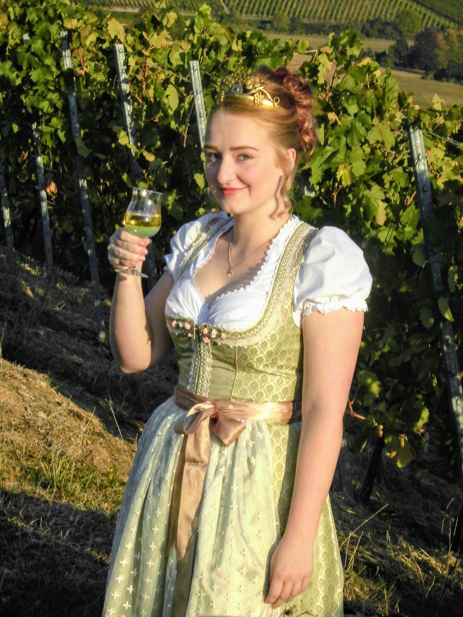 Sophie Österlein Dertinger Weinprinzessin 2019-2020 Foto: privat